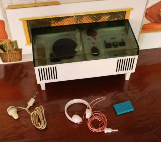 Pedigree Music Centre with Working Radio Vintage Sindy Record Player