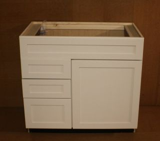 Kraftmaid Canvas Bathroom Vanity Sink Base Cabinet 36 Granite Tops in
