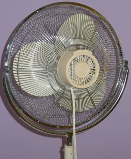 VINTAGE LAKEWOOD FAN HUGE FLOOR MODEL w/ 18 METAL BLADES 3 SPEED