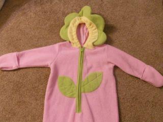 Old Navy Baby Infant Newborn Flower Halloween Costume Size 6 12 month