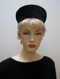 Vintage Ladies 22 Hat Black Velour Beret Style 1414