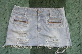 American Eagle Trashy Bleached Destroyed Denim Jean Short Mini Skirt