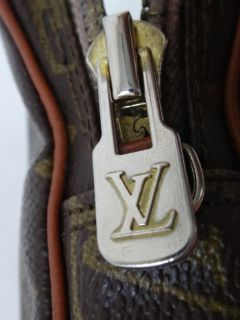 Vintage Louis Vuitton LV Brown Mini Poche Pochette Shoulder Bag Camera