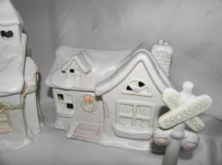 PRECIOUS MOMENTS HUGE Sugar Town Christmas Figurines Lot & Lighted