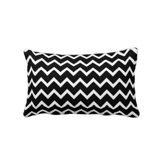 Black and White Zig Zag Pattern. Pillow