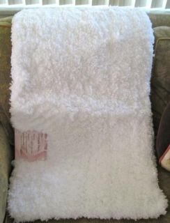 SOFTEST Plush BRIGHT WHITE 21X34 HIGH PILE Luxurious BATH MAT/RUG
