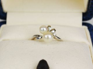 Mikimoto K18 White Gold 2 Pearls with Diamond Ring Case Authentic