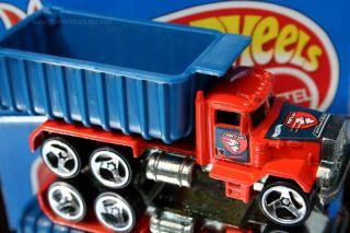 Hot Wheels Asphalt Assault Peterbuilt Dump Truck