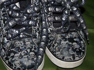 Youth Heelys Boys 6 Camo Bones Skate Shoes Skulls