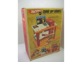 Hot Wheels Original Redline Tune Up Tower Playset Vintage