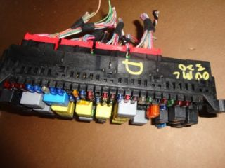 98 01 Mercedes Benz W163 ML320 Fuse Box Fuse from Under Hood 00