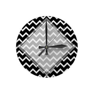 Black and White Zig Zag Pattern. Round Wallclocks