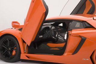 AUTOart 1/18 Lamborghini Aventador LP700 4 Arancio Argos   Pearl