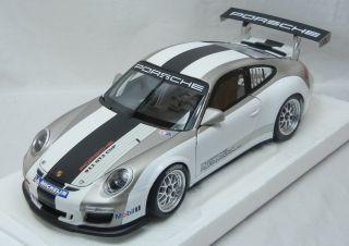 Minichamps Porsche GT3 Cup 2012 118 mit kleinen Decal Fehlern