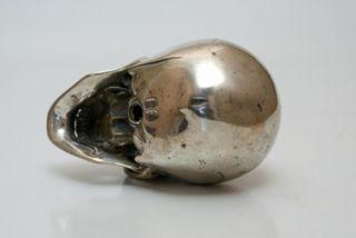 großer Skull Schädel Totenkopf aus Metall Memento Mori Vanitas