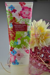 Bath & Body Works Japanese Cherry Blossom Body Cream 226g