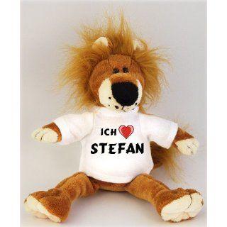 Plüschtiere Löwe mit Ich liebe Stefan T Shirt, Größe 27 cm