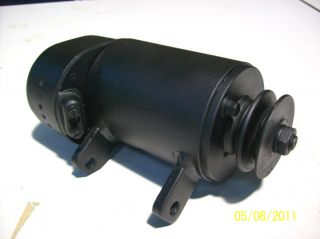 IHC Mc Cormick Farmall 324 439 Lichtmaschine Bosch