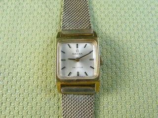 DE VILLE SWISS GOLD PLATED 17 JEWELS CAL 485 MANUAL LADY WATCH