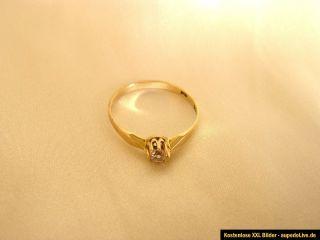 Wunderschöner Ring Gold 333 m. weißem glitzernden Stein