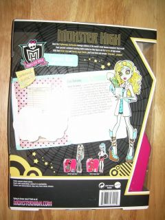 NIB Mattel MONSTER HIGH Mad Science LAGOONA BLUE Classroom Sea Monster