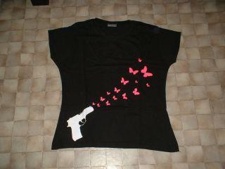 Cooles schwarzes Fun Shirt mit Knarre in Größe XL NEU