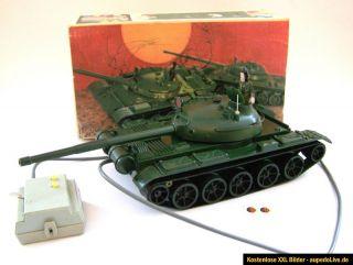 202) Anker Panzer 62 DDR Spielzeug NVA Armee Fernlenkung Presu