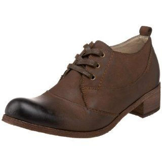 Bernardo Womens Gotcha Man Tailored Oxford,Chocolate,6.5 M US: Shoes