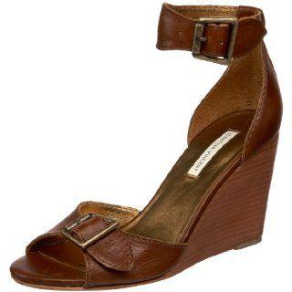 Cynthia Vincent Womens Chandler Sandal, Cognac, 6 M US Shoes