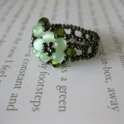 Crystal and Cats Eye Beautiful Green Beaded Flower Ring (USA