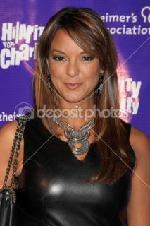 LOS ANGELES   JAN 13: Eva LaRue arrives at the Hilarity For Charity