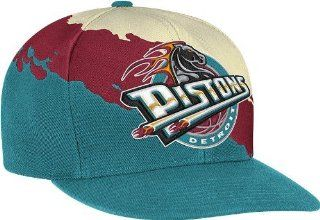 Detroit Pistons Mitchell & Ness Vintage Paintbrush Snap