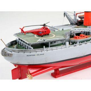 Burton Island (Brise Glace) Revell. Cette maquette contient 87 pièces