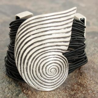 Silverplated Pewter Large Conch Shell Spiral Leather Bracelet (Turkey