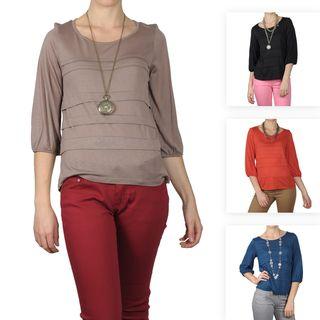 Journee Collection Womens Three quarter Sleeve Scoop Neck Top