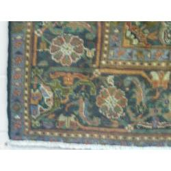 Persian Heriz Hand knotted Semi antique Rug (8 x 105)