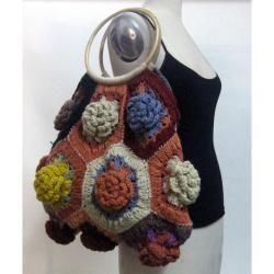 Hand woven Wool Wooden Handle Floral Handbag (Nepal)