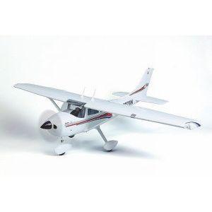 Cessna 172S de marque Graupner. Modèle pratiquement terminé (ARTF