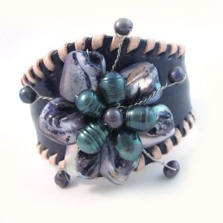Purple Leather Floral Remark Mother of Pearl Cuff (Thailand