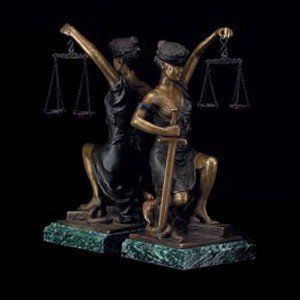 Lady Justice Statue Bookends [Office Product]: Office