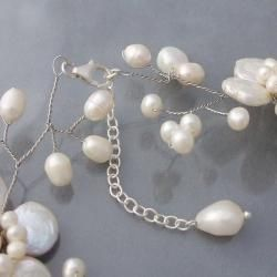 Sterling Silver Lace Sakura White Pearl Flower Necklace (Thailand