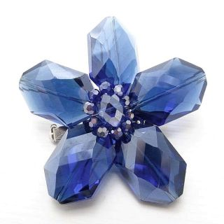 Aeravida Blue Glass Daisy Prism Pin Brooch (Thailand)